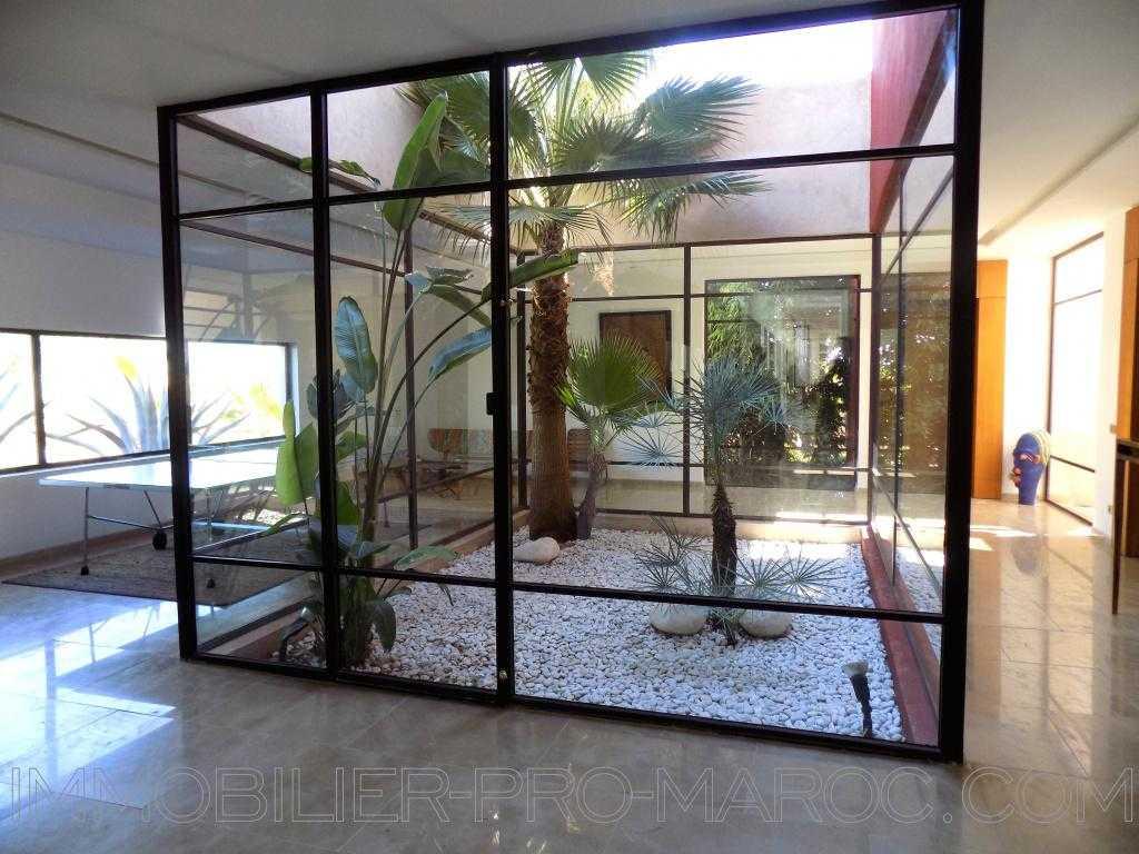Villa Surface du Terrain 12 500 m²