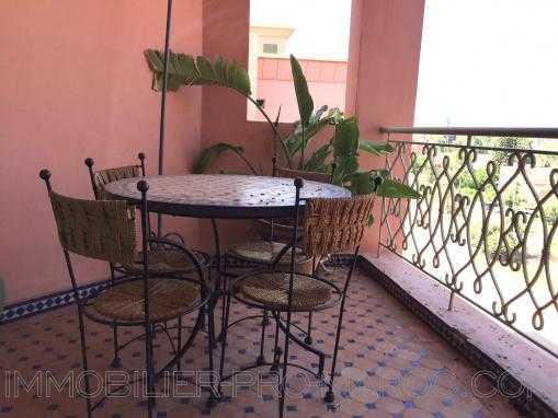 Appartement dernier étage avec  terrasse-2 chambres -Piscines