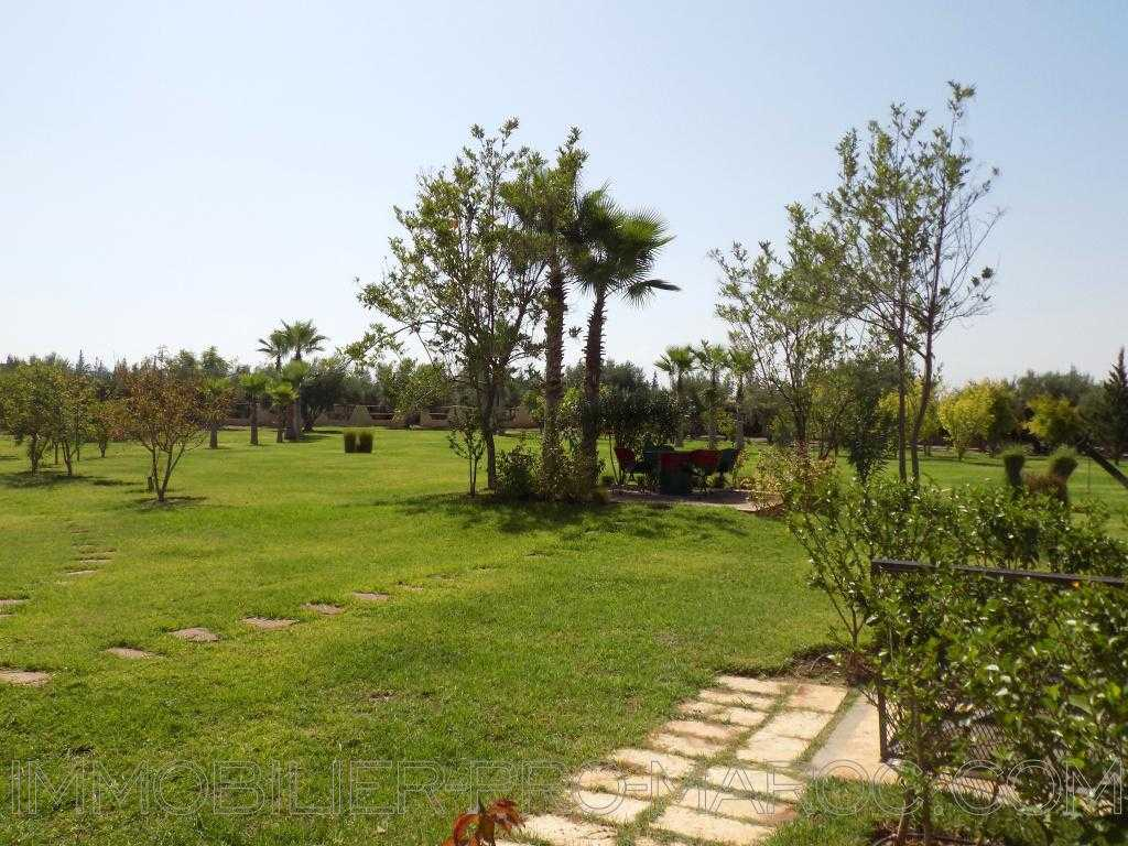 Villa Surface du Terrain 11 000 m²
