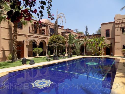 Exceptionnelle villa avec piscine-10 chambres