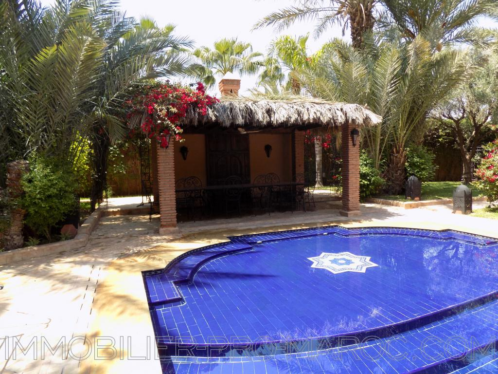 Villa Surface 1 200 m²