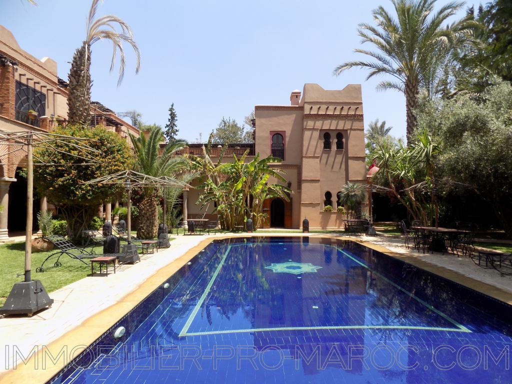 Villa Avantages Villa 10 chambres -2 piscines-luxueux spa