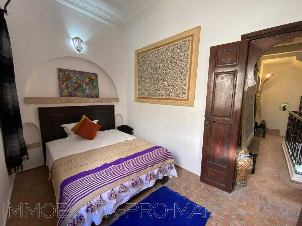 Maison d'hôtes Avantages Bon emplacement au calme facile d'accès, riad très bien fini avec matériaux de qualité