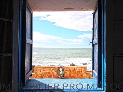Hotel de 17 chambres face à la mer