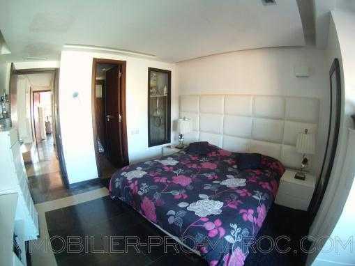 Luxueux appartement de trois chambres