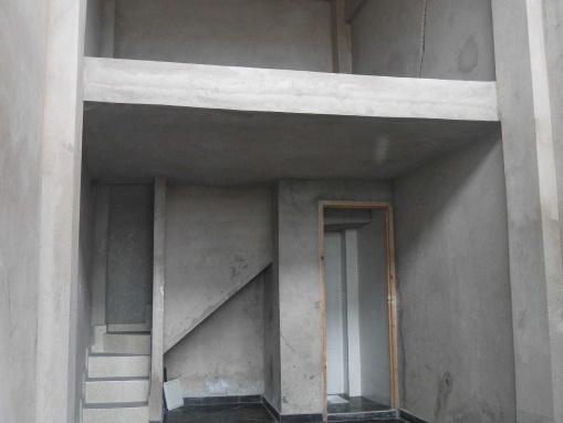 BAIL COMMERCIAL: Local de 24m² + 12m² en mezzanine, bien placé sur le boulevard principal