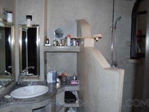 circuit Palmeraie  riad  dans résidence sécurisée vendu meublé