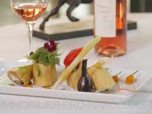 EMPLACEMENT EXCEPTIONNEL: Restaurant, bar