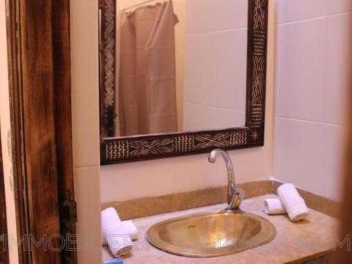 Idéalement située au coeur de la médina, belle maison d'hôtes de 12 chambres.