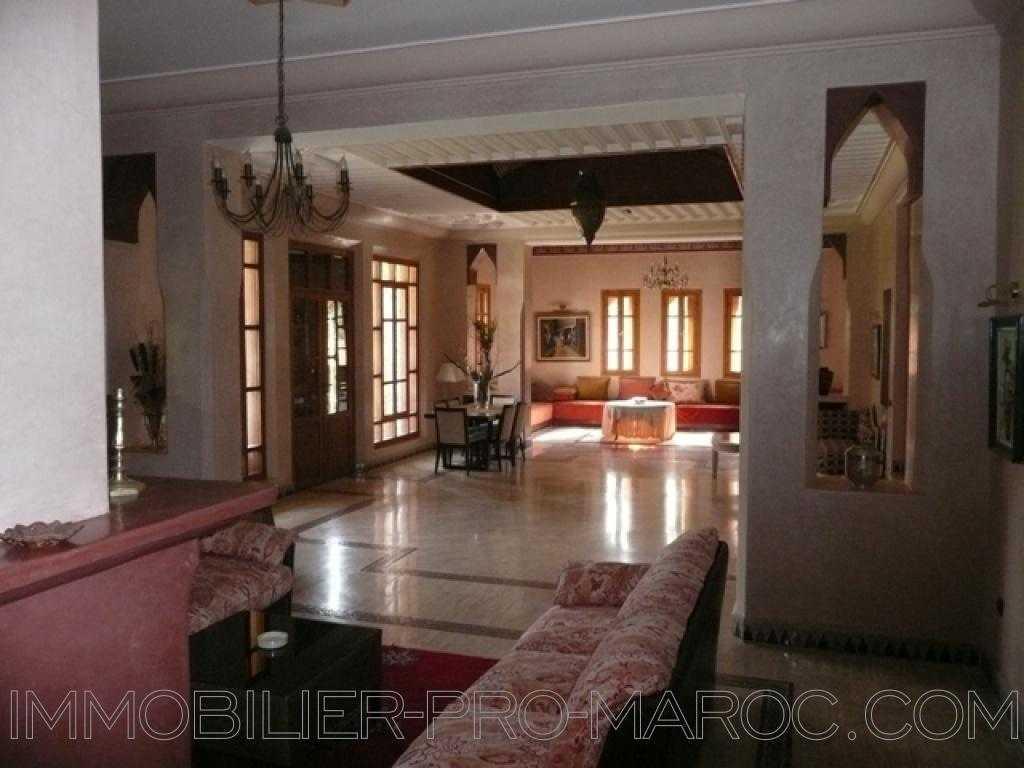 Villa Surface du Terrain 1 230 m²