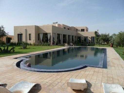 Opportunité ! Villa F8 avec piscine
