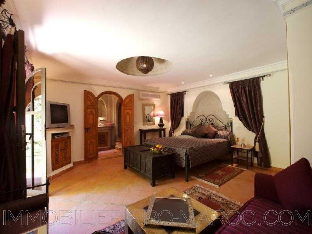 Maison d'hôtes Surface 1 200 m²