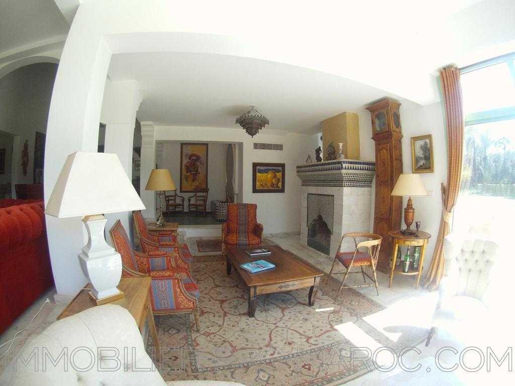 Villa Avantages situé face au Palmeraie Golf Palace,