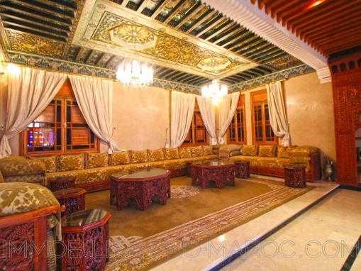 PALAIS à 200 m de la plage ideal pour restaurant piano bar avec quelques chambres d'hôtes