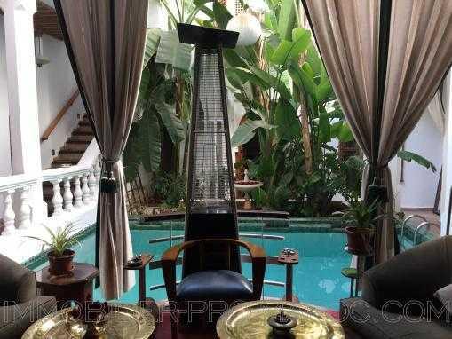 Riad Rénové 700m² en vente à Marrakech ref 6663