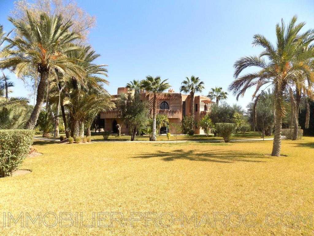 Villa Surface du Terrain 15 000 m²