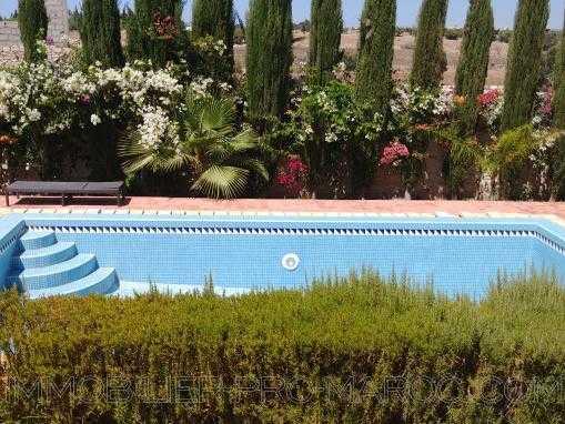villa semi meublée avec piscine à  15 Kms d'Essaouira