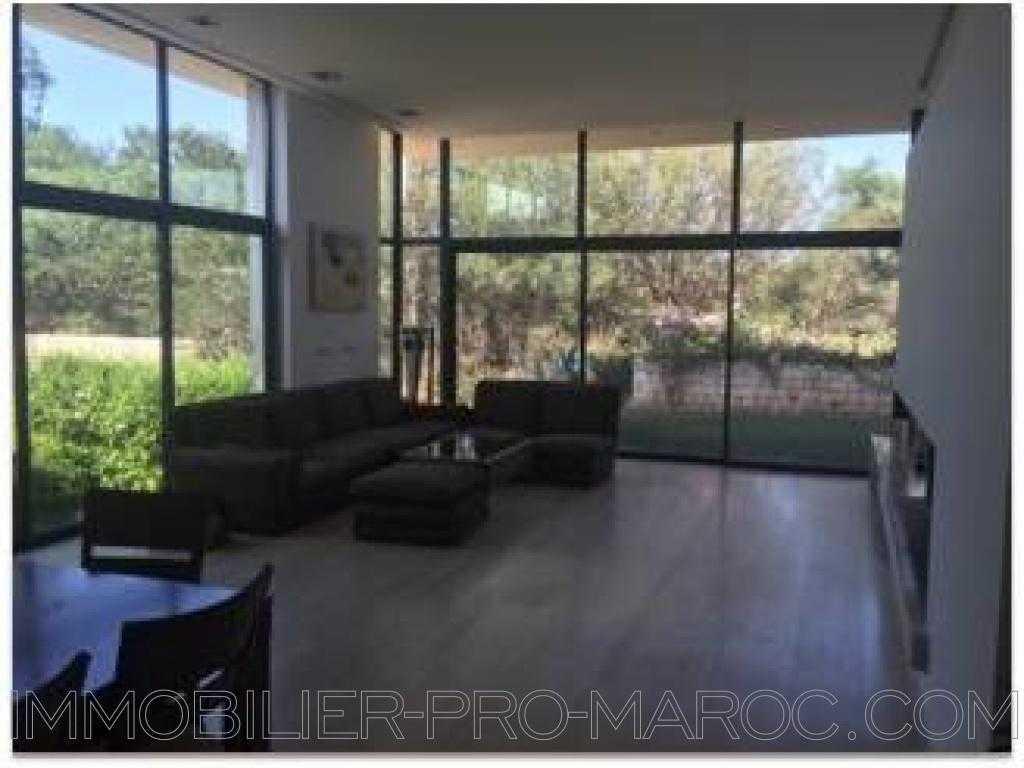 Villa Surface du Terrain 1 300 m²