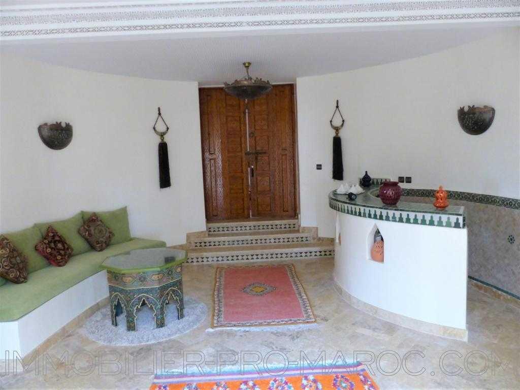 Villa Surface du Terrain 2 100 m²