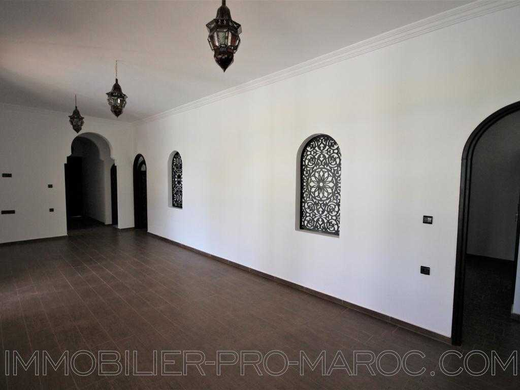 Villa Surface du Terrain 1 500 m²