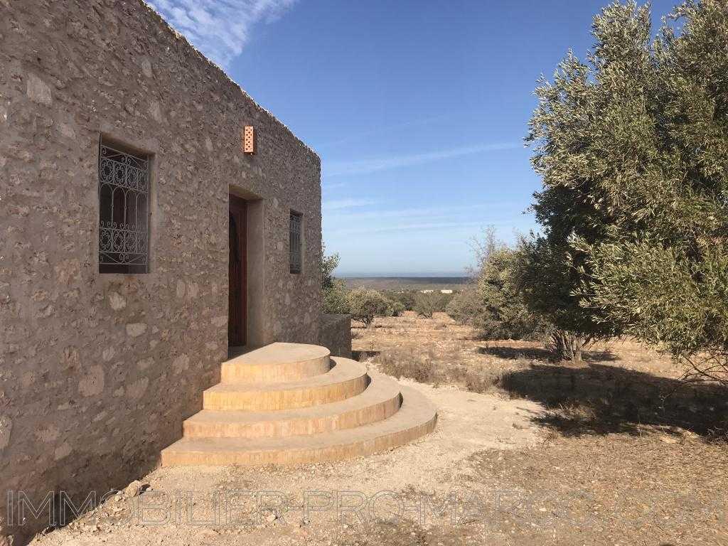 Villa Avantages Possède la VNA, beau volume, en pleine nature