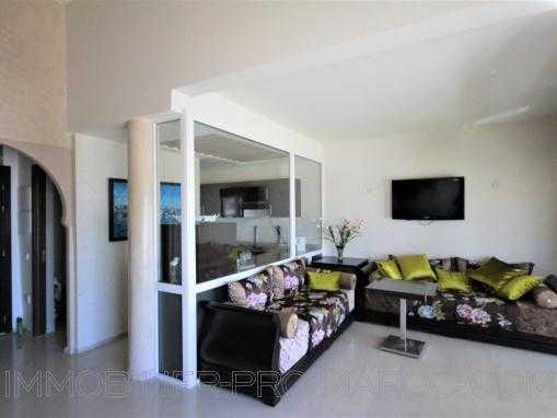Splendide appartement dans une résidence  avec piscine au bord de la mer