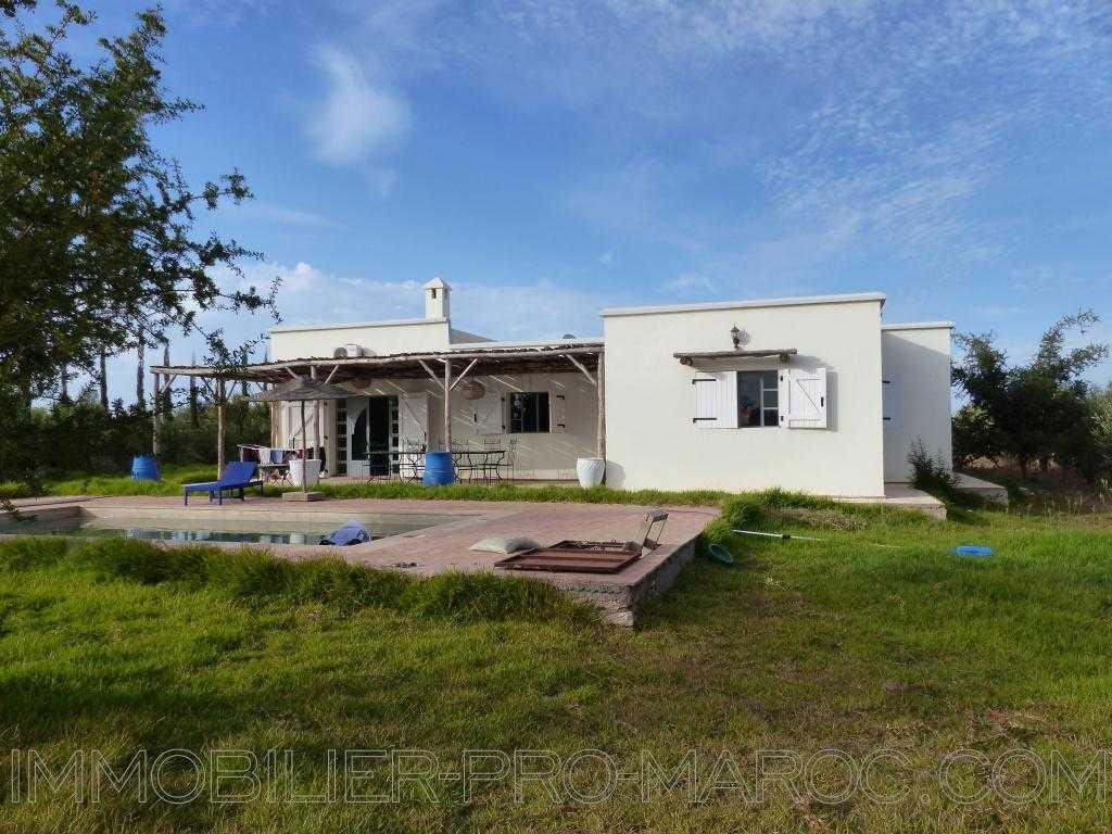 Villa Surface du Terrain 7 300 m²