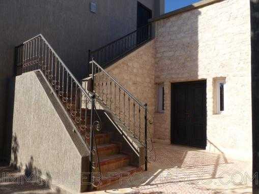Cozy villa ,3 chambres, avec piscine en zone urbaine