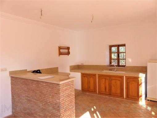 Belle villa de campagne , dans secteur très prisé avec piscine à qlqs min d'essaouira