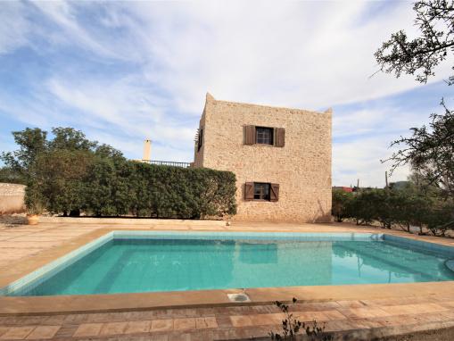 Belle propriété , 3 chambres avec piscine vue dégagée sur la campagne