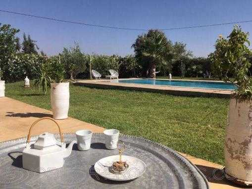 belle villa en pierre de pays, avec piscine, meublée, à 15kms d'Essaouira