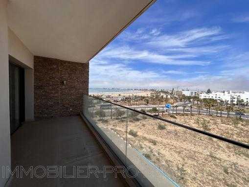 Appartement /terrasse attenante vue mer dans un immeuble de standing avec ascenseur