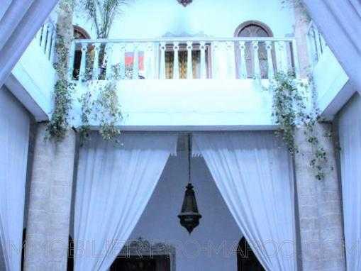 Belle maison d'hôtes, avec licence restaurant dans la médina
