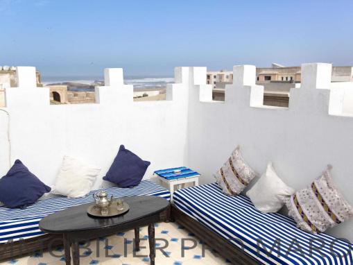 Beau Riad avec terrasse dans la médina vue sur l'océan