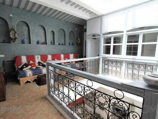 Riad chaleureux de 6 chambres avec 2 terrasses dans la médina