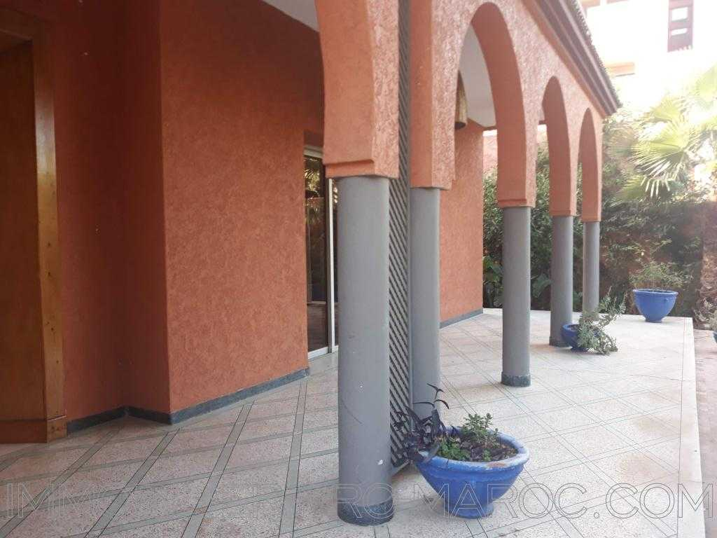 Villa Surface 560 m²