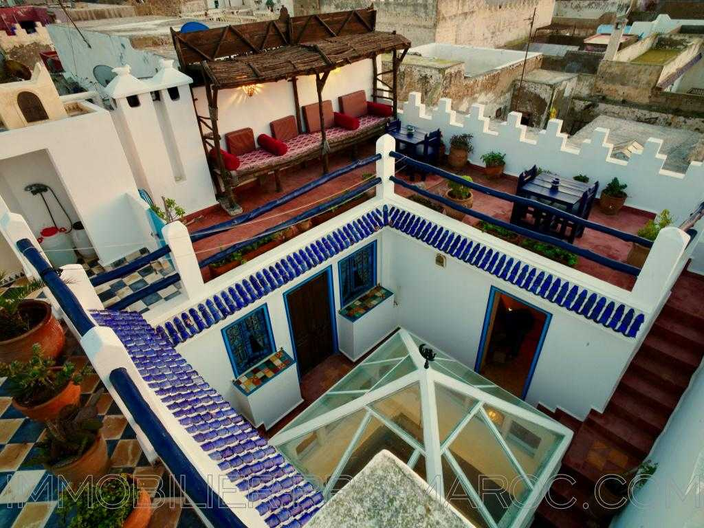 Maison d'hôtes Avantages proche tout commerce ,produit lucratif , double terrasse