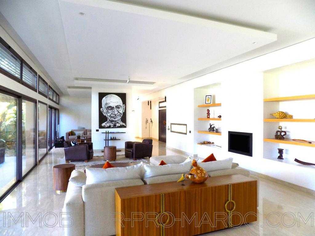 Villa Surface du Terrain 2 900 m²