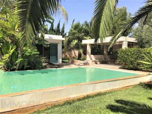 Sublime propriété de 4 chambres avec piscine