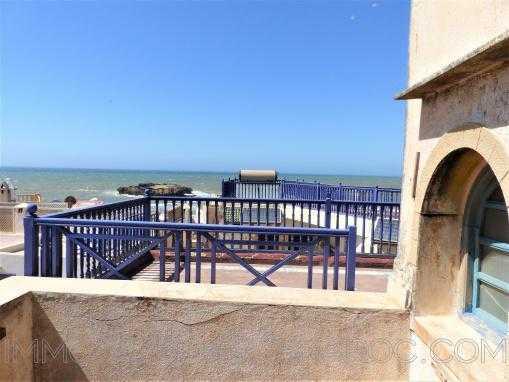 Immeuble à rénover avec très belle vue mer  dans la Médina