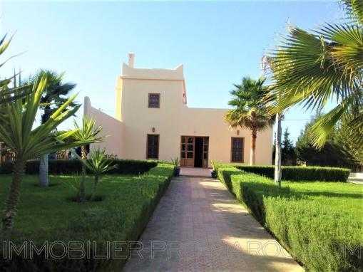 Villa de campagne,non meublée avec piscine à qlqs min d'Essaouira
