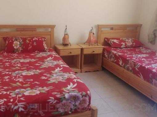 Appartement 3éme étage, petite vue sur mer, meublé