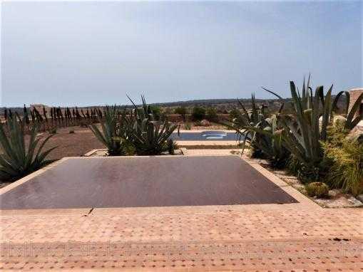 Spacieuse maison de campagne avec piscine à 12kms d'Essaouira