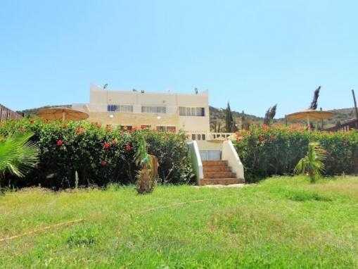 Villa meublée, vue mer, avec piscine à qlqs Kms d'Essaouira