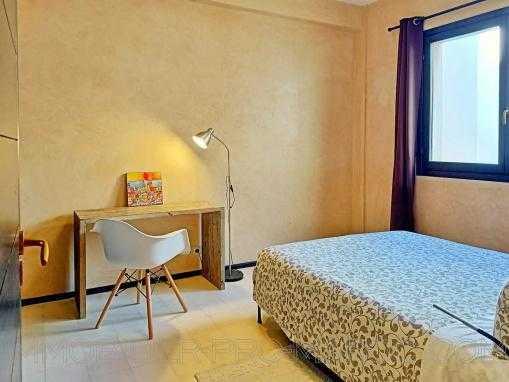 Appartement TERRASSE, meublé, VU SUR LA MER.
