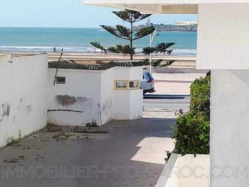 Bel appartement dans une résidence de standing , en bordure de la plage