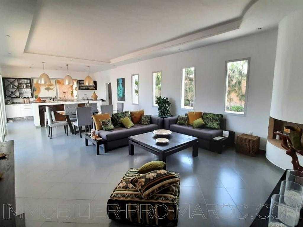 Villa Avantages De plain pied, idéal pour la location ou pied à terre familial