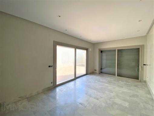 Exceptionnel: Appartement neuf avec jardin et piscine à 20m de la plage